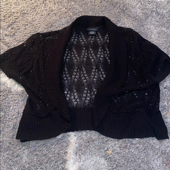 Rue21 Sweaters - Rue21 size large black knit shrug